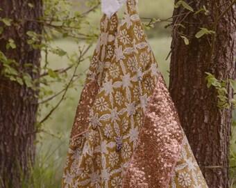 """Bag """"Gajju"""" origami - inspired India/Bohemian embroidery"""