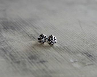 Flower Earrings, Flower Stud Earrings, Flower Studs, Silver Studs, Silver Stud Earrings, Sterling Silver Earrings, Flower Jewelry