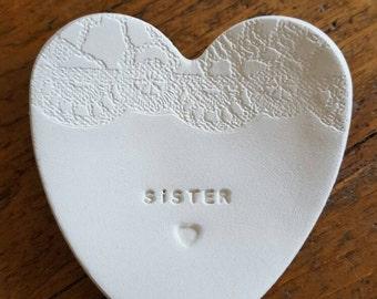 Sister Ring Dish ~ Lace Pattern Ring Dish ~ Heart Shaped Ring Dish ~ Sister Gift ~ Personalized Ring Dish ~ Names Ring Dish