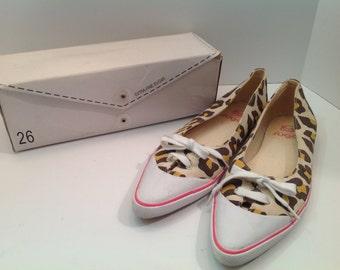 Extra Fine Sugar (Twenty Six Red Sugar) leopard sneaker flats EU size 40, US size 9, 9.5 or 10