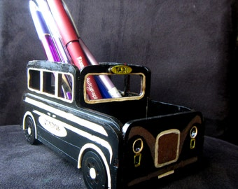 Pen organizer London taxi, table organizer, Office desk organizer London taxi