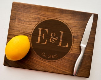 Custom Cutting Board, Engraved Cutting Board, Personalized Wedding Gift, Housewarming Gift, Anniversary, Christmas Gift, Walnut