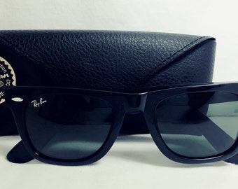 Vintage Ray-Ban Black Wayfarer Gloss Black 2041 Sunglasses