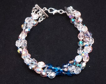 Three stranded polished beads bracelet