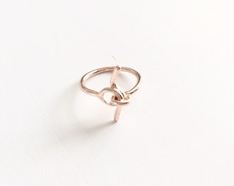 Simple tiny knot ring