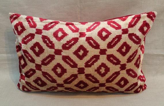 Red İkat Velvet Pillow Cover 16'' X 24