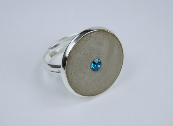 Ring concrete jewelry with blue rhinestones in silver ring version jewelry concrete jewelry blue rhinestones finger Jewelry