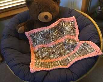 Super Soft Baby Blanket in Peach and neutral tones E10006