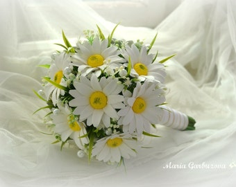 White wedding bouquet of camomiles, like a real and everlasting, gorgeous bridal bouquet, hair pin, wedding accessories