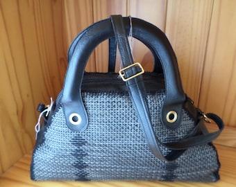 bag has hand set bag