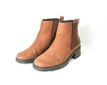Cognac brown ankle boots- Women's size 6M chelsea boots- Bass leather ankle boots- Bass boots- Pull on leather boots- chunky heel boots