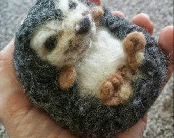 Woodland animals felt ornament/Needle Felted Hedgehog/woodland animal/wool animal /woodland nursery/needle felting/animal soft sculpture
