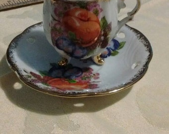 Antique-japan-flowered-petite-tea-cup-saucer