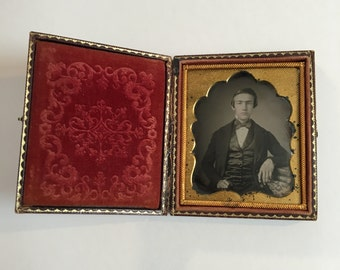 Fine Daguerreotype of a Proper-Looking Man, 19th Century Antique Photo in Full Case
