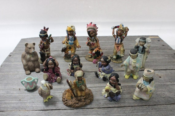 Set Of 15 Native American Figures Small American Indian