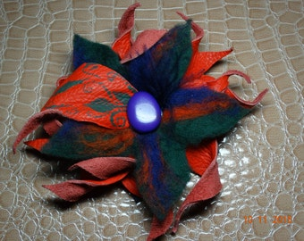 Leather brooch, felt flower