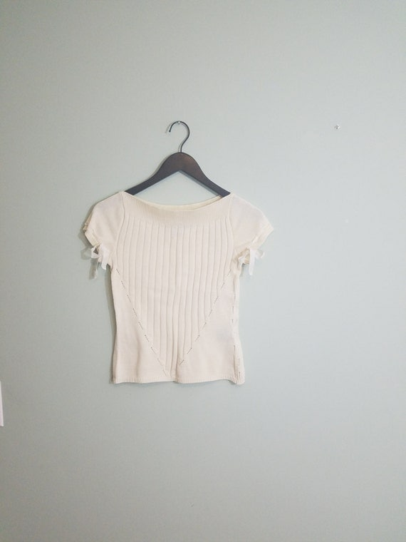 Vintage, Retro Cream Short Sleeved Sweater / Ribbon Trim, Boatneck Top / 1990s Cropped Jumper / Modern Size Extra Small XS to Small S