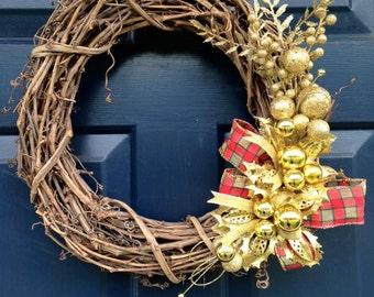 "16"" Gold Christmas Wreath, Traditional Wreath, Grapevine Wreath, Front Door Wreath, Winter Wreath, Christmas Decoration, Outdoor Door Wreath"