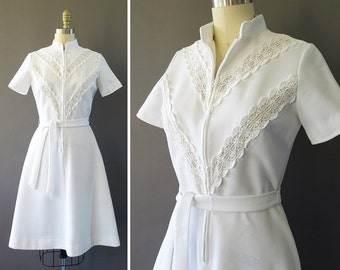 60s 70s Lace and Heaven Dress - 1960s 1970s Vintage White Dress - Front Zipper and Lace Details at Bust - Fit and Flare - By Jonathan Logan