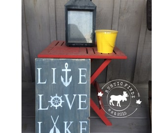 Lake Wood Sign // rustic // cabin decor // cottage decor // lake sign // cabin // cottage // cottage sign // Live Love Lake // lake decor
