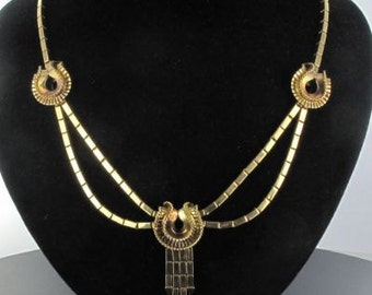 Necklace tank in gold