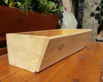 "Angled Planter Box 36"""