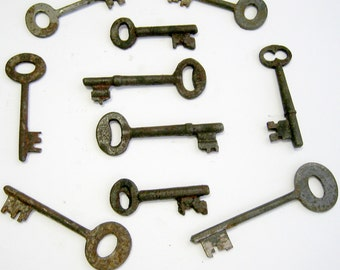 10 Vintage Skeleton Keys Old Rusty Iron Antique Keys Randomly Selected FREE USA SHIPPING!