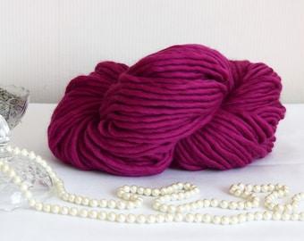 Super bulky yarn, purple super chunky yarn, fuchsia color wool yarn, chunky wool, bulky wool. 200g