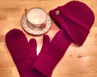 Flapper style hat and mittens in burgandy