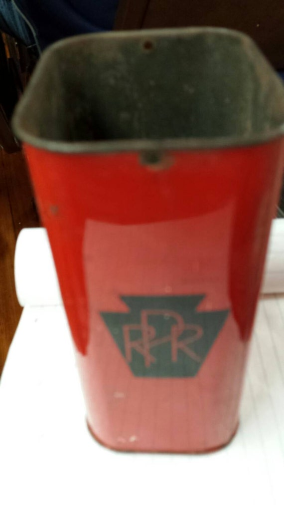 Vintage 1960s Pennsylvania Railroad First Aid Wound Tin. No lid.  Nice condition.  No Contents. Solid bottom. Nice paint, black on red.