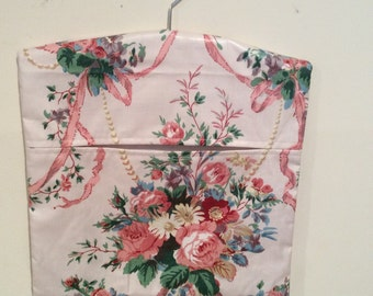 Fully lined cotton chintz peg bag