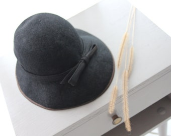 French vintage cloche hat