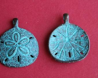 MADE in GREECE 49x46mm Mykonos sand dollar pendant, green patina sand dollar, Mykonos green patina sand dollar (X5786ACG)Qty1