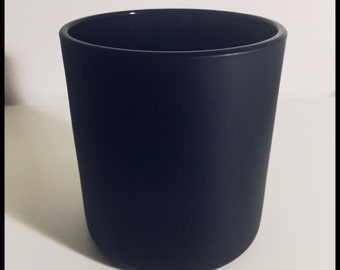 Large Urban Flare Candle: in Matte Black Vogue Container.