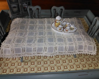 Tablecloth fabric and crochet, beige color, scale 1:12