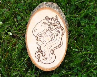 Wood medallion with personalized motif, pyrography, wood burning, decor