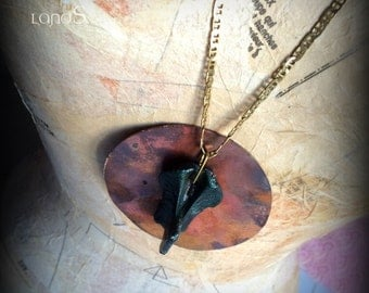 Wasteland jewelry. Goth necklace. Alice in WastelandS post apocalyptical jewelry. Red necklace. Real bone necklace in copper.