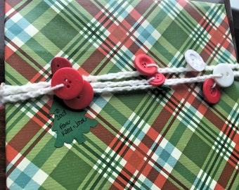 Button Garland - Christmas Crochet Gift Wrap