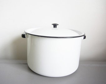 Enamelware Pot - Vintage Enamelware - White Enamelware - Farmhouse Decor - Rustic Kitchen Decor - Vintage Kitchen Decor - Vintage Farmhouse