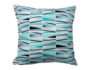 1 Pillow cover - Blue triangles