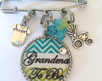 GRANDMA To Be Pin, MOM To Be Pin, Personalized Pin, Gender Reveil, Baby Shower PINS, Birth Announcement, Polka Dot Pin, Baby