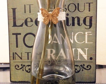 Shabby Chic Vase with Small Butterfly