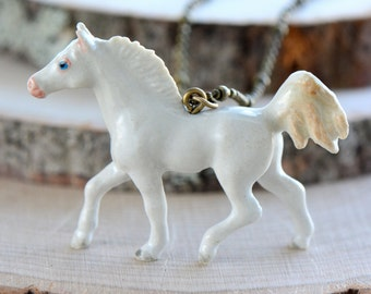 Hand Painted Porcelain White Horse Necklace, Antique Bronze Chain, Vintage Style Colt, Ceramic Animal Pendant & Chain (CA024)