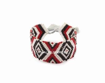 Burgundy cuff in Japanese pearl bracelet