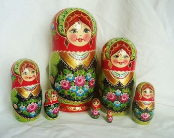 Nesting doll matryoshka  7 in 1,  20 cm (7,9) wooden russian souvenir