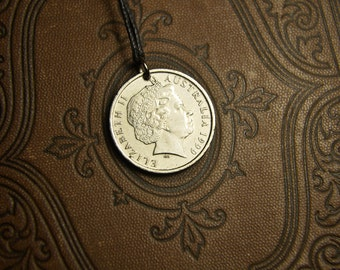 Australia 10 cents, 1990. Coin pendant. Сoin jewelry. Australia jewelry.Queen Elizabeth. Mens Necklace, Womens Necklace, Birth Year, 1990