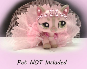 Littlest Pet Shop Clothes and Accessories LPS Outfit Pretty in pink gown, Crown and necklace Lot (pet not included) #32