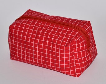Box Pouch Organiser with Zip, Multi Purpose for Storing Bits & Pieces, Useful for Everyone, Red Check Fabric, Red Gifts, Storage Idea, Gift