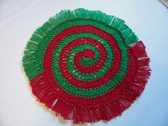 Star Wars Crochet Doll Pattern : Miniature Rug-Crochet Rugs-Dollhouse Rug-Red and Green