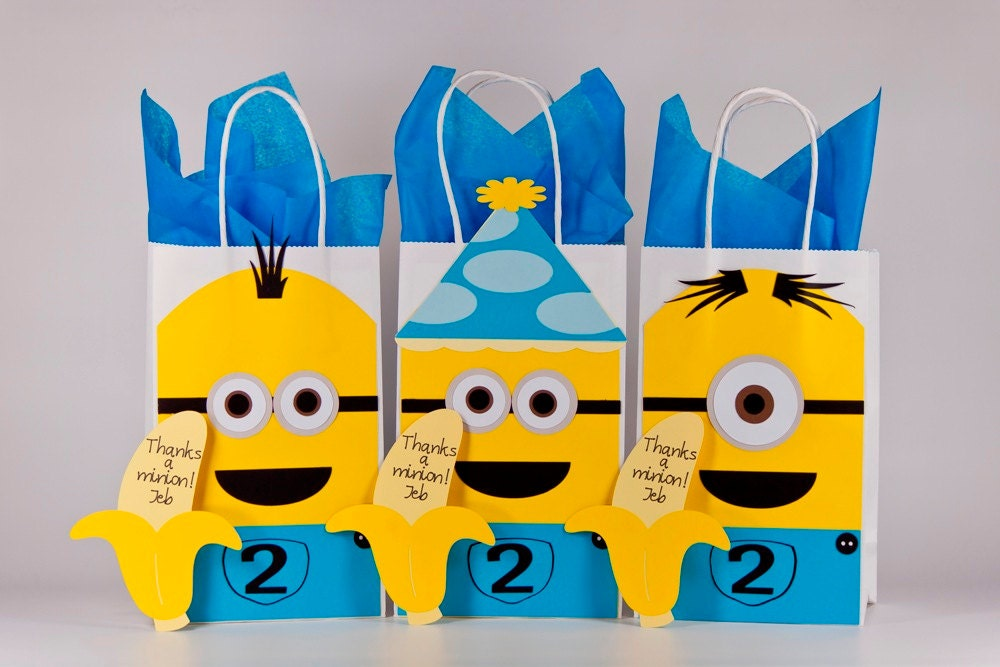 minions minions birthday 12 minion party bags with. Black Bedroom Furniture Sets. Home Design Ideas